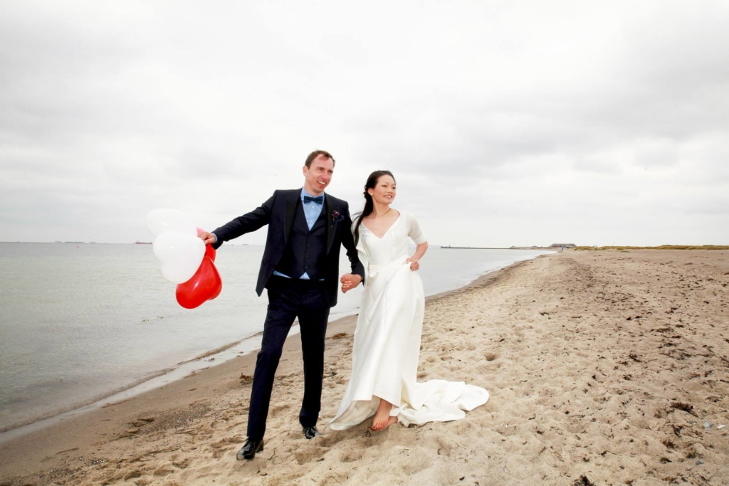 Beach-wedding-Tivoli-Copehagen-denmark-Photographer-7